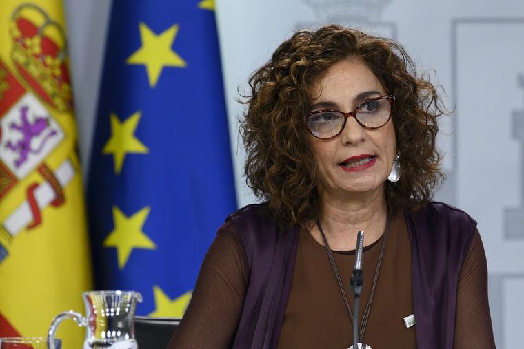 La portavoz del Gobierno y ministra de Hacienda, María Jesús Montero, en la rueda de prensa posterior al Consejo de Ministros.
