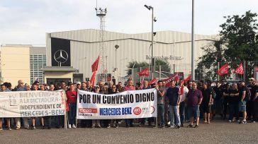 La plantilla del Centro de Recambios de Mercedes-Benz España secunda al 100% el primer día de huelga indefinida por su convenio