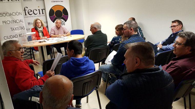 La Asociación Provincial de Taxistas de Ciudad Real renueva con la Diputación la ayuda para la adaptación de vehículos para personas con movilidad reducida