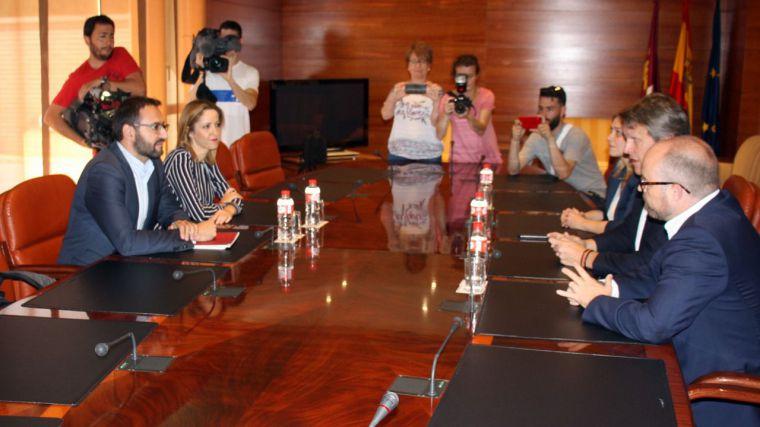Ciudadanos y PSOE pactan más de 22 gobiernos municipales y el PP no gobernará en ninguna capital de provincia de la Región
