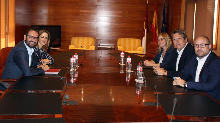 Un senador y la vicepresidencia segunda de las Cortes, la derivada regional del acuerdo municipal de Ciudadanos con el PSOE