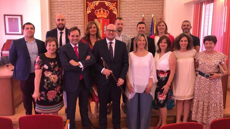 Núñez reivindica el espíritu del municipalismo y el papel de los alcaldes con una política de cercanía en contacto permanente con los vecinos