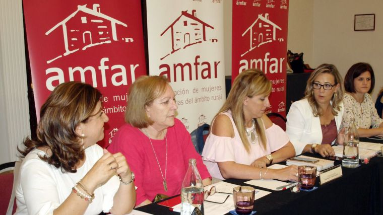 AMFAR propone medidas para incentivar la presencia de mujeres en la nueva PAC