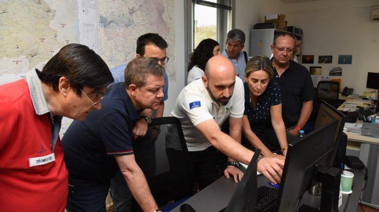 García-Page traslada su agradecimiento a los profesionales que participan en la extinción del incendio en el entorno de Toledo capital