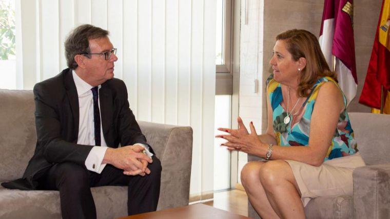 """El Gobierno regional traslada a la UCLM la intención de bonificar al 100 por cien la primera matrícula """"si se modifica la financiación autonómica"""""""