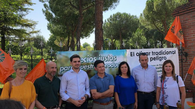 """Serrano (PP) pide al Gobierno regional un apoyo """"integral"""" para proteger a nuestros agricultores y ganaderos a la hora de comercializar los productos"""