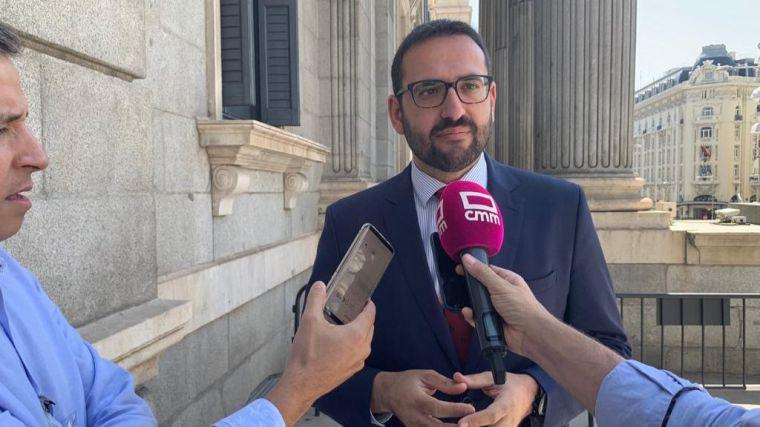 """Sergio Gutiérrez: """"La primera legislatura de Page se salda con 100.000 empleos más y un descenso de casi el 40 por ciento de parados"""""""