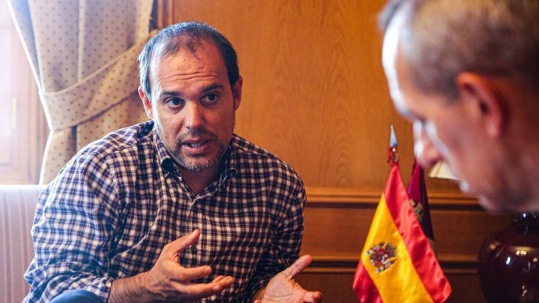 """La receta del presidente de las Cortes de CLM para la política nacional y regional: """"Hablar, escuchar y consensuar"""""""