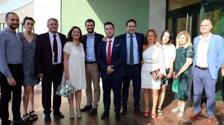 Paco Núñez destaca la presencia de Pablo Casado en Caudete (Albacete) como muestra de apoyo a los colectivos que usan la pólvora como principal elemento festivo