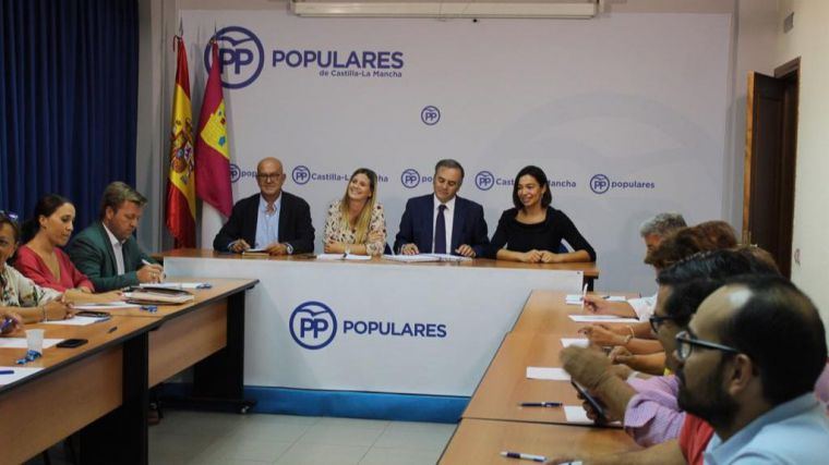 """Agudo (PP) insiste en la importancia de bajar los impuestos en Castilla-La Mancha para evitar el """"efecto frontera"""" con la comunidad de Madrid"""
