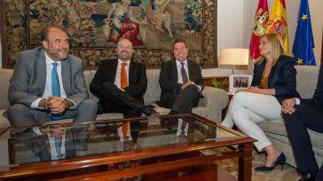 Emiliano García-Page durante la reunión que ha mantenido con el Grupo Parlamentario de Ciudadanos Castilla-La Mancha.