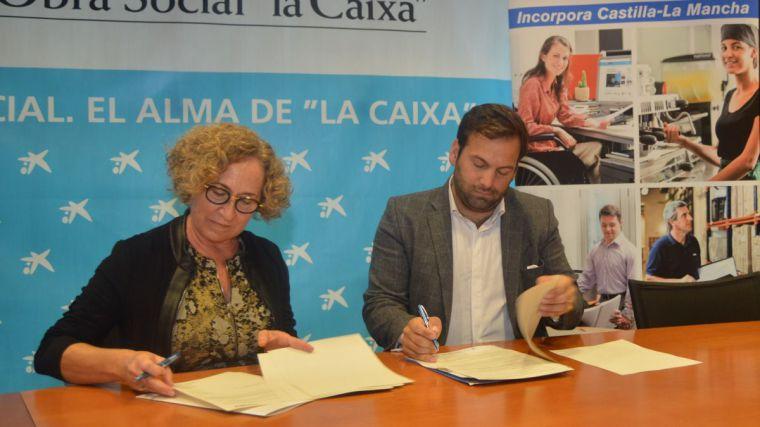 """La Fundación Sociosanitaria, Obra Social """"la Caixa"""" y Puy Du Fou fomentarán la inserción sociolaboral de colectivos de especial vulnerabilidad"""