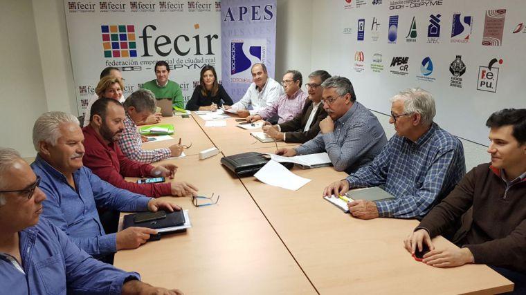 La junta directiva de APES analiza el convenio del metal y estudia la situación del sector en la provincia de Ciudad Real