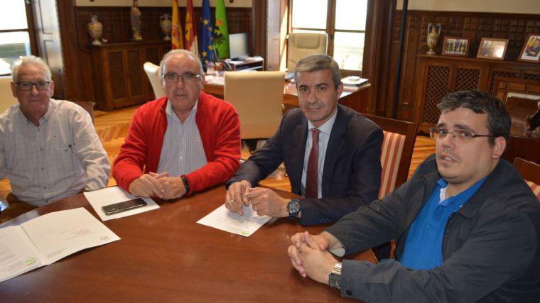El alcalde de Ocaña comparte con el presidente de la Diputación de Toledo las líneas de trabajo y proyectos de su gobierno