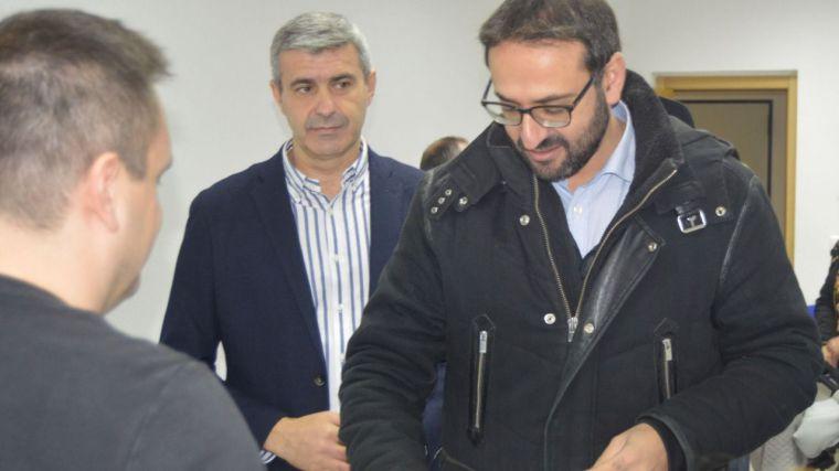 Gutiérrez hace un llamamiento a PP y Cs para que respeten a la lista más votada y faciliten un Gobierno en España con su abstención