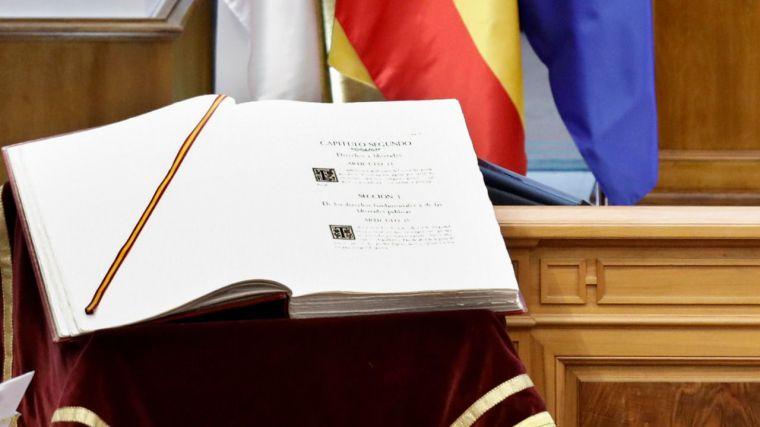 La transformación vivida por la sociedad llama a la puerta de la Constitución