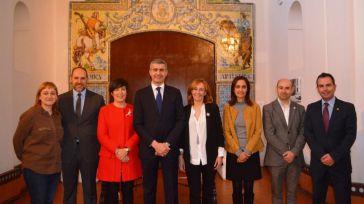 Álvaro Gutiérrez felicita a Talavera de la Reina y Puente del Arzobispo por el reconocimiento a sus cerámicas como Patrimonio Inmaterial de la Humanidad