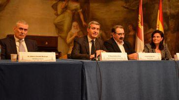 Álvaro Gutiérrez destaca el trabajo de los profesionales que han convertido a la UCI del Hospital Provincial en un servicio de referencia