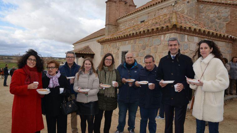 Álvaro Gutiérrez participa en Cuerva en las arraigadas fiestas de San Antón