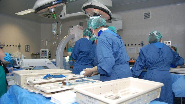 Toque de atención del Defensor del Paciente a la sanidad de CLM: baja la lista de espera y aumenta el plazo medio de demora para una intervención