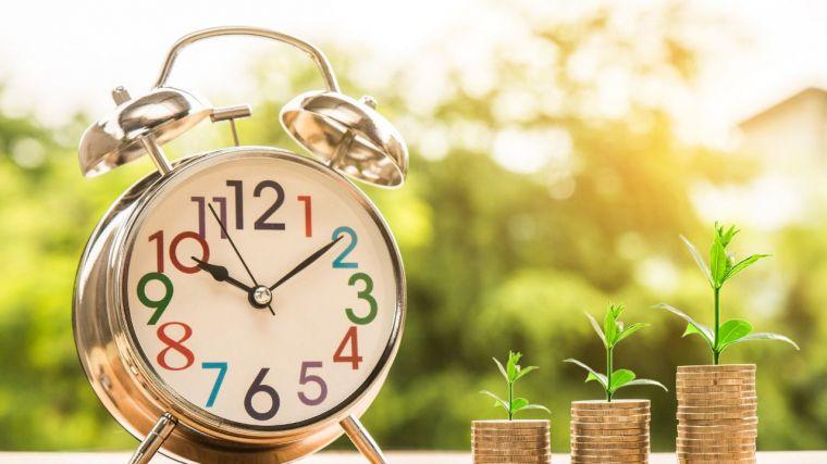 UCLM, la institución que paga con más rapidez a sus proveedores (6,9 días de media) y GEACAM, la que lo hace con más demora (100,48 días)