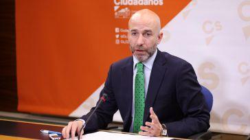 """Zapata pide a Page su opinión sobre la subida del SMI """"de Sánchez y la izquierda radical"""" que perjudica a Castilla-La Mancha"""