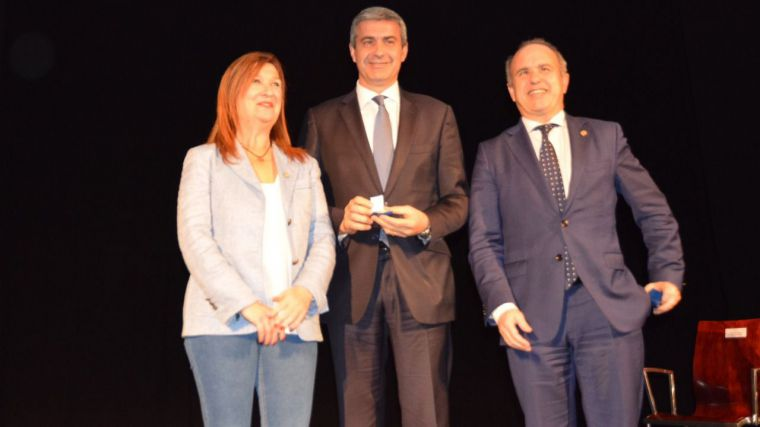 Álvaro Gutiérrez agradece la Medalla de Oro que la UNED ha concedido a la Diputación Provincial de Toledo