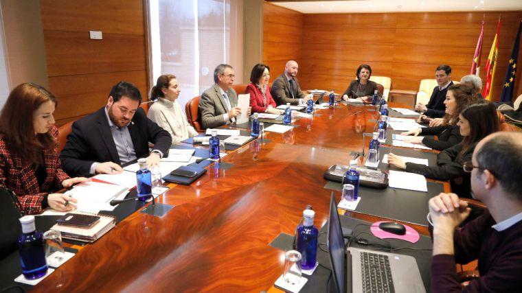 La Comisión del Pacto por la Infancia se reúne en las Cortes de Castilla-La Mancha