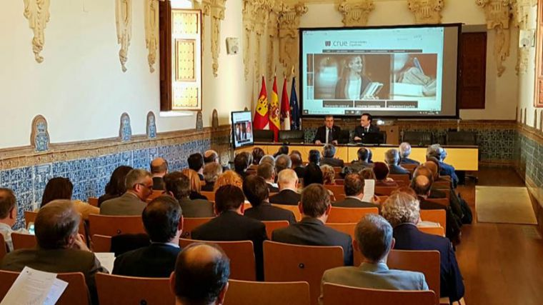 Setenta rectoras y rectores se reúnen en el Campus de la UCLM de Toledo en un encuentro promovido por Crue