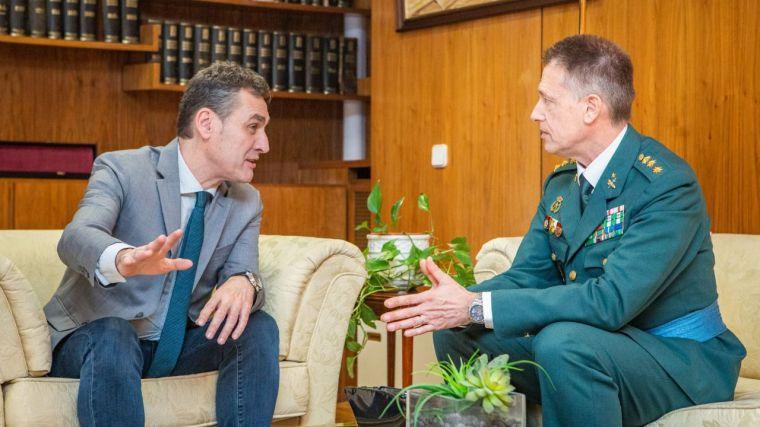 Francisco Tierraseca recibe al nuevo jefe de la Comandancia de la Guardia Civil de Toledo