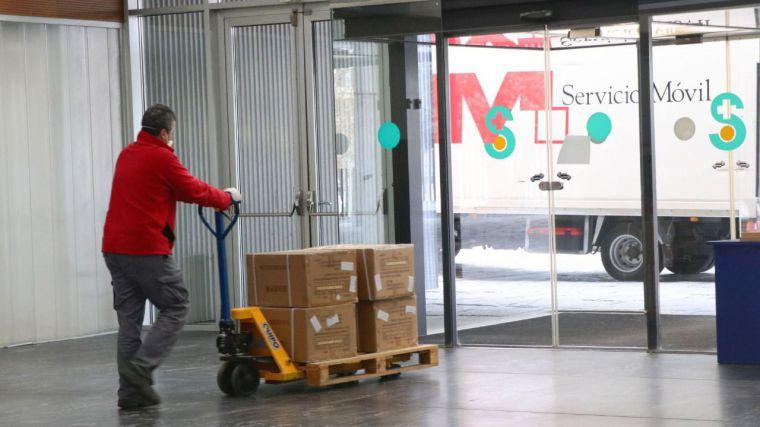 El Gobierno de Castilla-La Mancha está distribuyendo hoy más de 1,3 millones de artículos de protección para los profesionales de los centros sanitarios