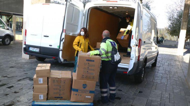 La Junta ha distribuido ya más de 6,3 millones de artículos de protección para los profesionales de los centros sanitarios de región