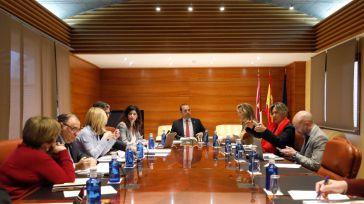 Foto de archivo de una reunión de la Mesa y de la Junta de Portavoces del Parlamento regional.