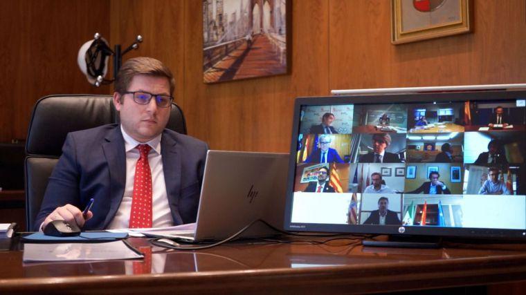 Nacho Hernando plantea al Ministerio un fondo específico para el sector del transporte