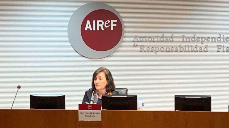 La AIReF corrige las previsiones del gobierno y señala que España tendrá más déficit y más deuda