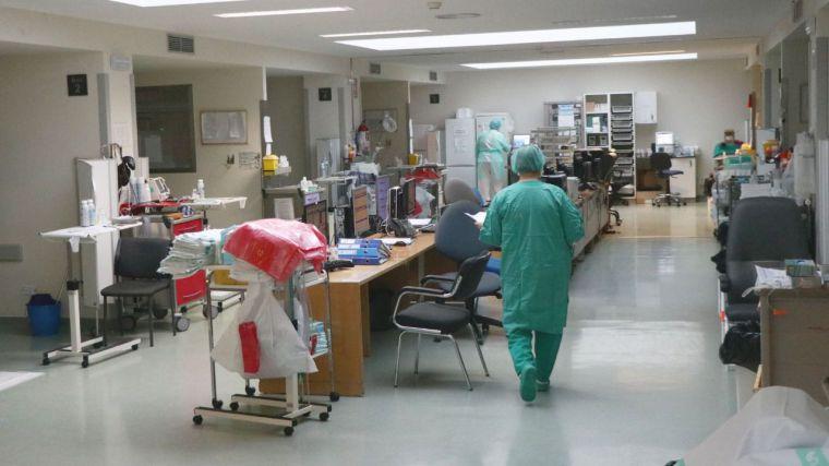 Continúa disminuyendo el número de hospitalizados por COVID-19 y de personas que necesitan respirador en Castilla-La Mancha