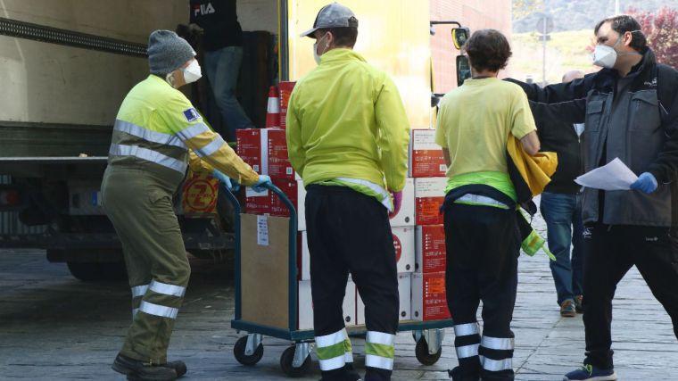 Sanidad regional envía 500.000 batas y monos impermeables, mascarillas y guantes para protección de profesionales sanitarios