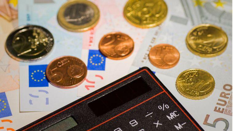 La Hacienda regional agiliza el pago a proveedores y rebaja la deuda comercial