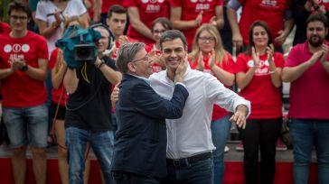 Ximo Puig y Pedro Sánchez en la celebración del Día de la Rosa de 2017.