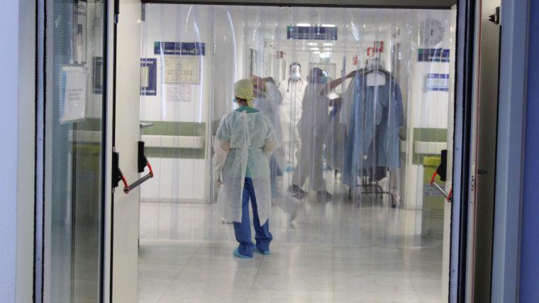 Castilla-La Mancha alcanza las 6.570 altas epidemiológicas y el número de hospitalizados en planta continúa disminuyendo