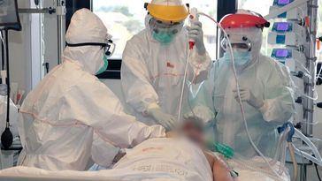 Gripe y coronavirus disparan las listas de espera en España, que cerró 2019 con 705.000 pacientes pendientes de una operación