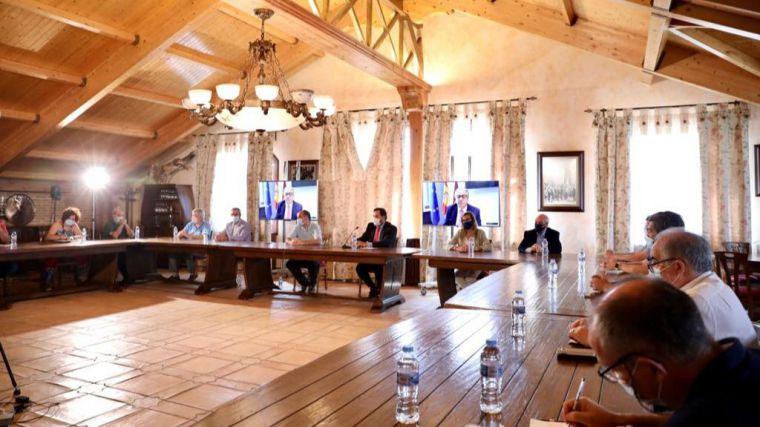Las DO del Vino de Castilla-La Mancha participarán en la próxima reunión europea 'Intervino' tras la invitación de Núñez y Zoido