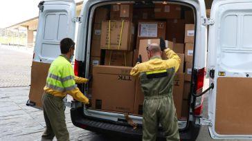 La Junta ha distribuido esta semana una nueva remesa con más de 584.000 artículos de protección para los profesionales sanitarios