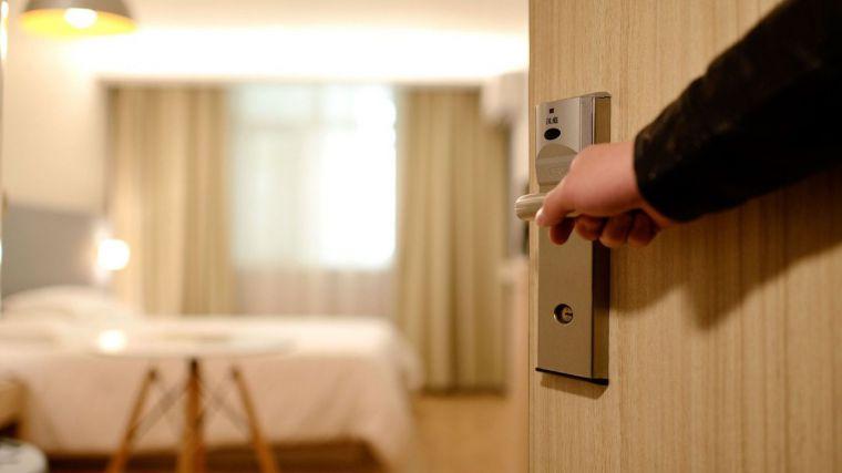 Los hoteles de la Comunidad acumulan caída de ingresos de 60 millones en el primer semestre, y arrancan con dificultad en la vuelta a la normalidad