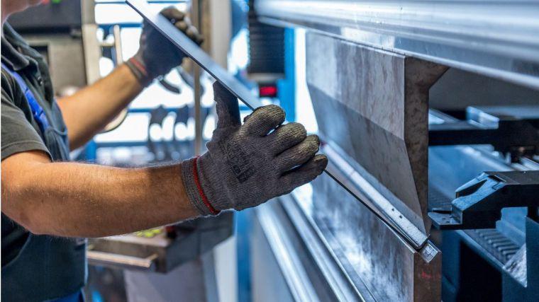 La industria regional arrancó con fuerza sus máquinas en junio, pero cerró el semestre con una caída de producción del 13%
