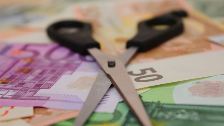 El recorte salarial a los empleados públicos en 2021 supondría 450 millones en el gobierno central y 70 millones en CLM