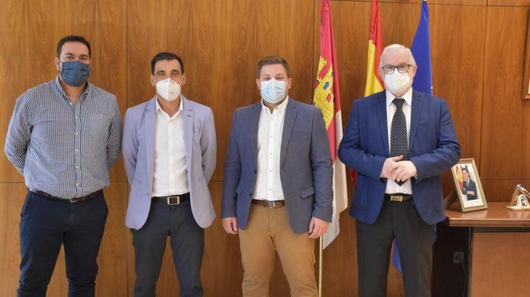 La Junta y la Mancomunidad de Municipios del Campo de Calatrava ultiman un proyecto innovador de transporte sensible a la demanda