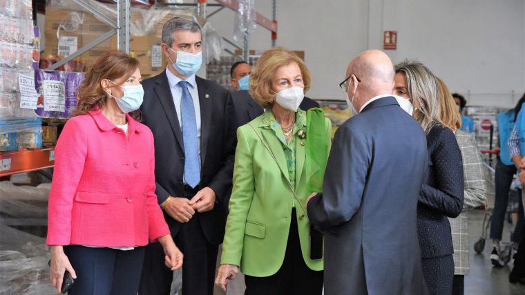 Álvaro Gutiérrez acompaña a la Reina Sofía en su visita al Banco de Alimentos de Toledo