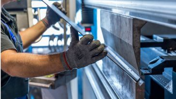 Los ingresos de la industria regional se reducen un 13,1% en los ocho primeros meses