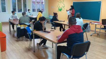 Pantoja pone en marcha el servicio de educación para adultos con financiación municipal